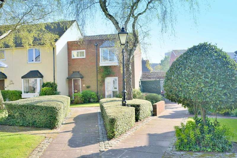 3 Bedrooms Town House for sale in St Aubyns Court, Old Town, Poole, BH15 1LX