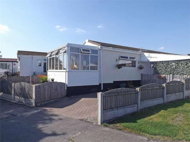 2 Bedrooms Semi Detached Bungalow for sale in Barracks Bridge, Silloth, Wigton, Cumbria