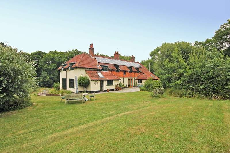 5 Bedrooms Detached House for sale in Forest Road, Bransgore, Christchurch