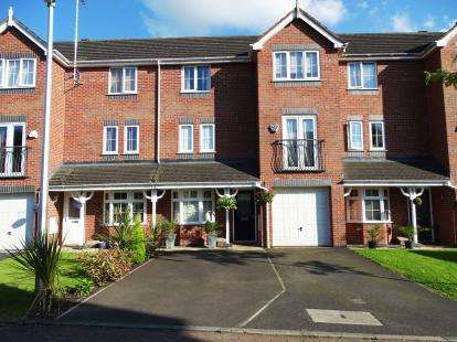 3 Bedrooms Town House for sale in Sheldon Drive, Macclesfield, Cheshire