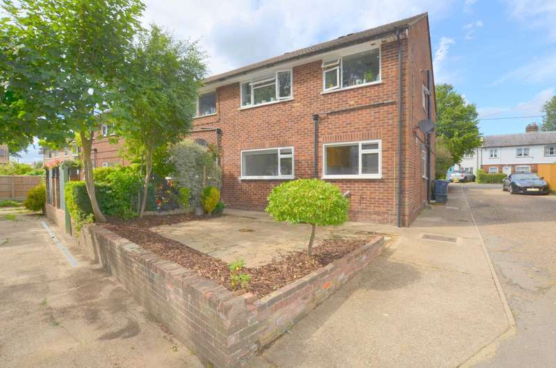 2 Bedrooms Maisonette Flat for sale in Chestnut Lane, Amersham HP6