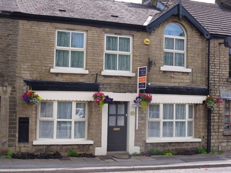 4 Bedrooms Terraced House for sale in Buxton Road, Furness Vale, High Peak, Derbyshire, SK23 7PL