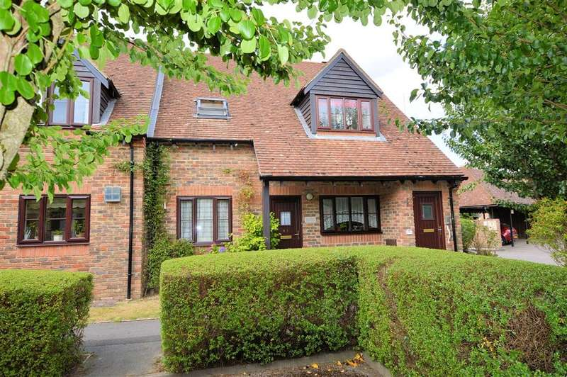 2 Bedrooms Retirement Property for sale in Highfield Court, Tarragon Way, Burghfield Common, Reading, RG7