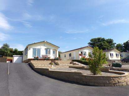 2 Bedrooms Mobile Home for sale in Gawthorpe Edge, Padiham Road, Burnley, Lancashire, BB12