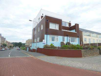 3 Bedrooms Parking Garage / Parking for sale in Cardigan Court, Pwllheli, Gwynedd, LL53