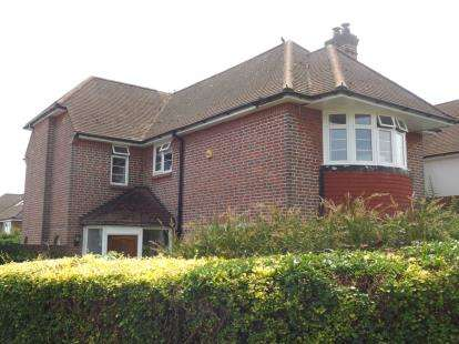 3 Bedrooms Detached House for sale in Upper Shirley, Southampton, Hampshire