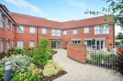 1 Bedroom Retirement Property for sale in Blunsdon Court, Lady Lane, Swindon, Wiltshire