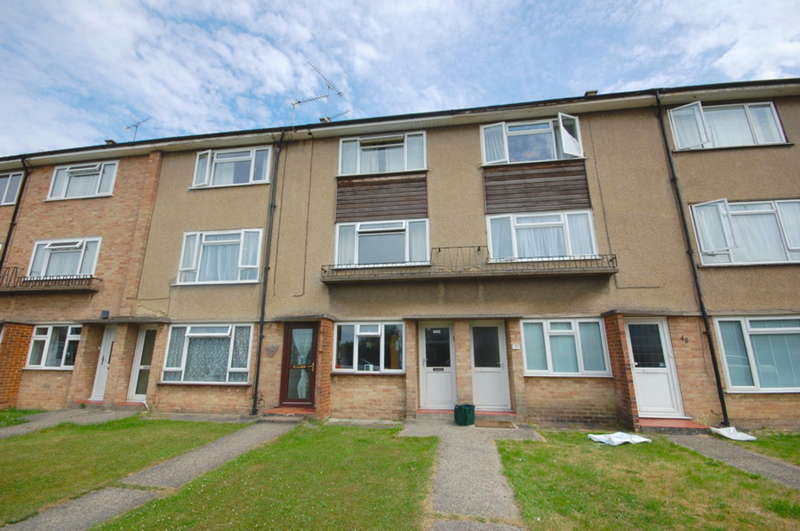 2 Bedrooms Maisonette Flat for sale in Bodmin Road, Old Springfield, Chelmsford, CM1