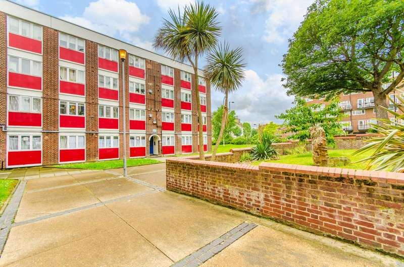 2 Bedrooms Flat for sale in Rectory Road, Stoke Newington, N16