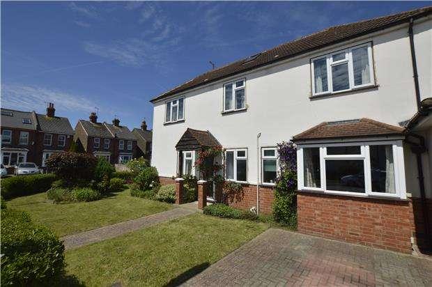 3 Bedrooms Detached House for sale in Althorne Road, Redhill, Surrey. RH1 6EF