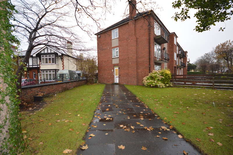 2 Bedrooms Ground Flat for sale in Haigh Road, Waterloo, Liverpool, L22