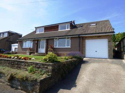 4 Bedrooms Detached House for sale in Longlands Drive, New Mills, High Peak