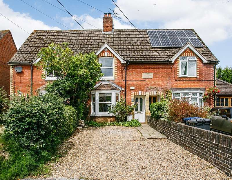 3 Bedrooms Terraced House for sale in Chiddingfold