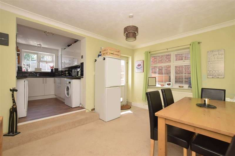 3 Bedrooms Cottage House for sale in Clayhall Road, Gosport, Hampshire