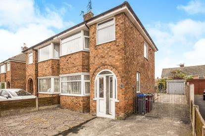 3 Bedrooms Semi Detached House for sale in Longford Avenue, Blackpool, Lancashire, ., FY2