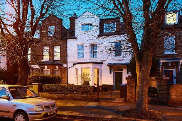 6 Bedrooms Semi Detached House for sale in Connaught Road, Harlesden, London