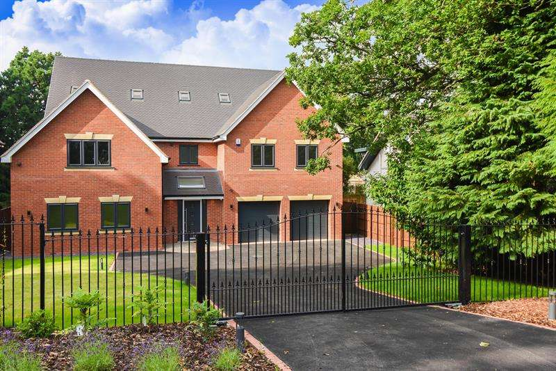 6 Bedrooms Detached House for sale in Plymouth Road, Barnt Green, Worcestershire
