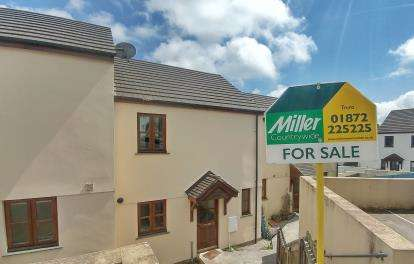 2 Bedrooms Terraced House for sale in Gloweth, Truro, Cornwall