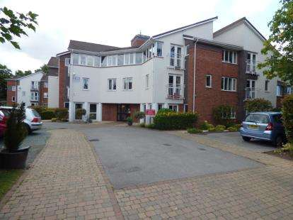 1 Bedroom Flat for sale in Blackwood Court, Childwall, Liverpool, Merseyside, L16