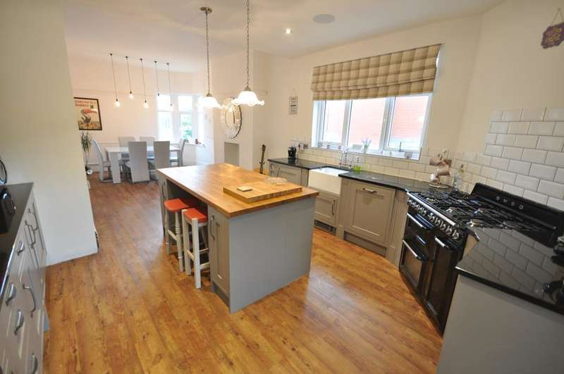 3 Bedrooms Maisonette Flat for sale in St Thomas Road, St Annes, Lytham St Annes, Lancashire, FY8 1JL