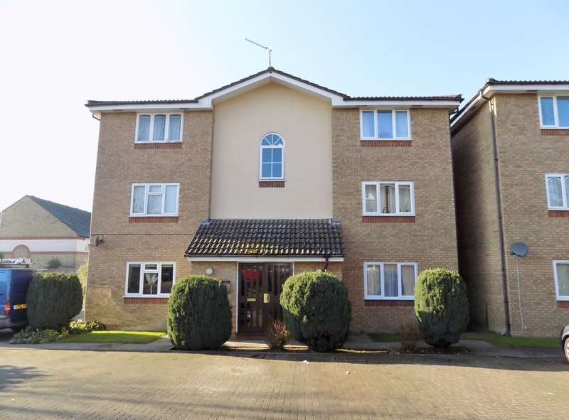 2 Bedrooms Flat for sale in Turnberry Court, Watford, Hertfordshire, WD19