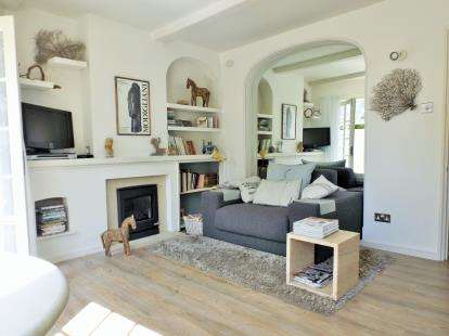 2 Bedrooms Semi Detached House for sale in Grove Road, Redland, Bristol