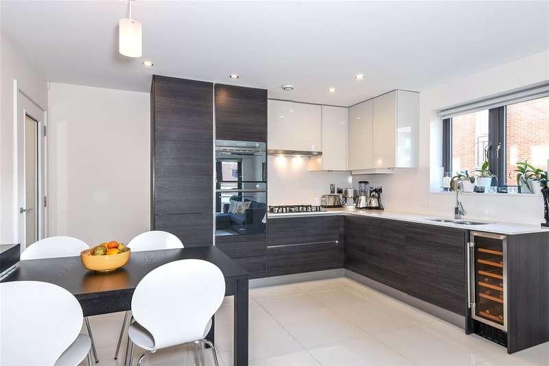 2 Bedrooms Apartment Flat for sale in Caravan Lane, Rickmansworth, WD3