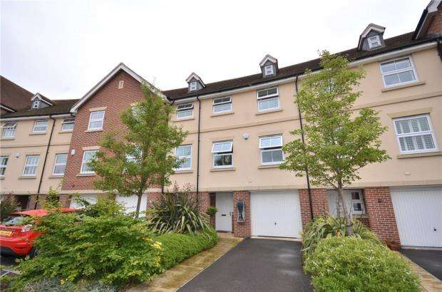 4 Bedrooms Terraced House for sale in Siskin Gate, Bracknell, Berkshire