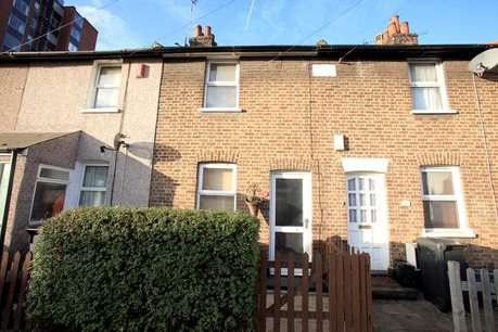 2 Bedrooms Terraced House for sale in Cross Road, Croydon, Surrey