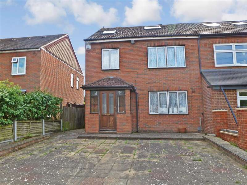 3 Bedrooms Semi Detached House for sale in Willingale Road, Loughton, Essex