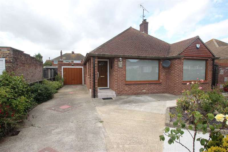 3 Bedrooms Bungalow for sale in Queens Road, Clacton-On-Sea