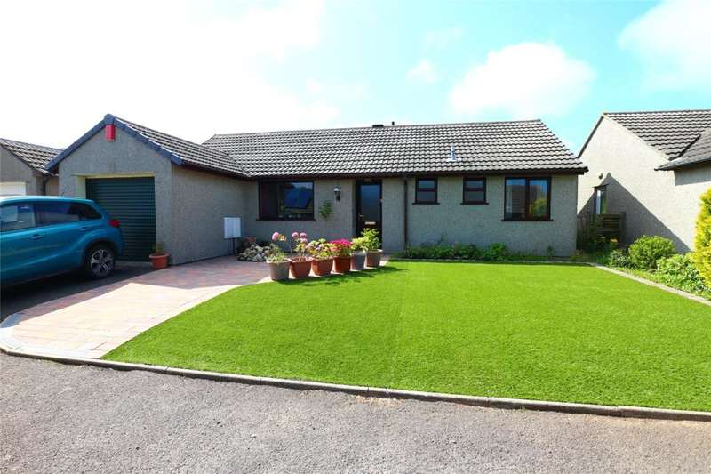 3 Bedrooms Detached Bungalow for sale in Chenoweth Close, Camborne
