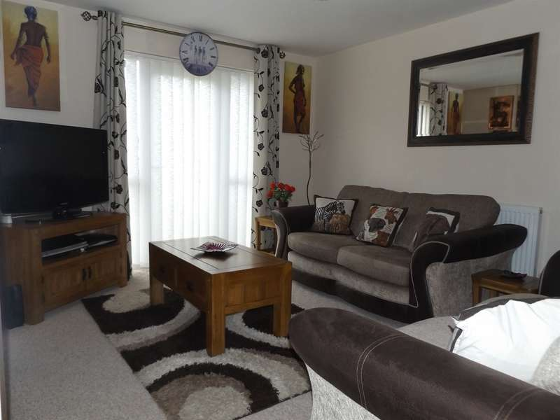 2 Bedrooms Ground Flat for sale in High Street, Abertridwr, Caerphilly