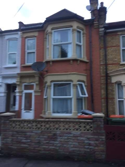 3 Bedrooms House for sale in Neville Road, East Ham, E7
