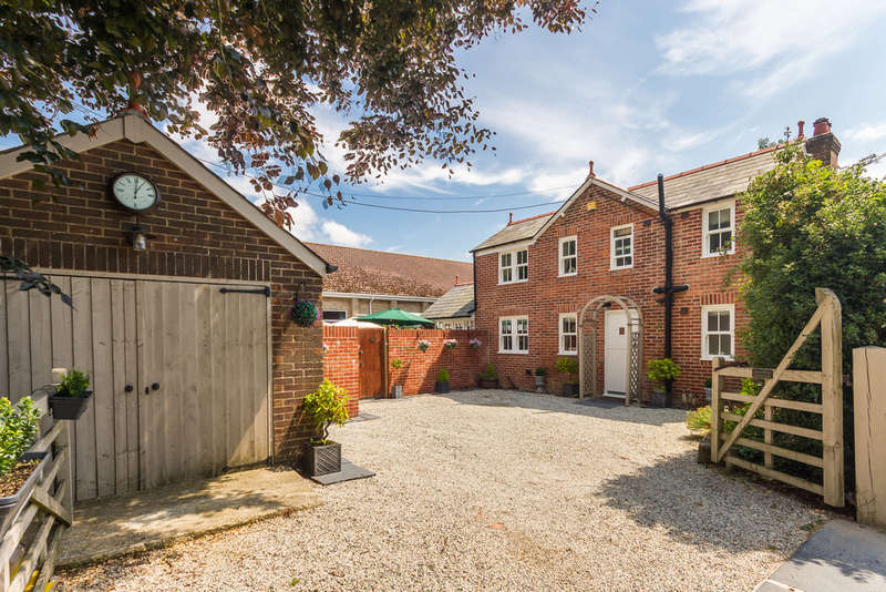 3 Bedrooms Detached House for sale in Bashley, New Forest, Hampshire