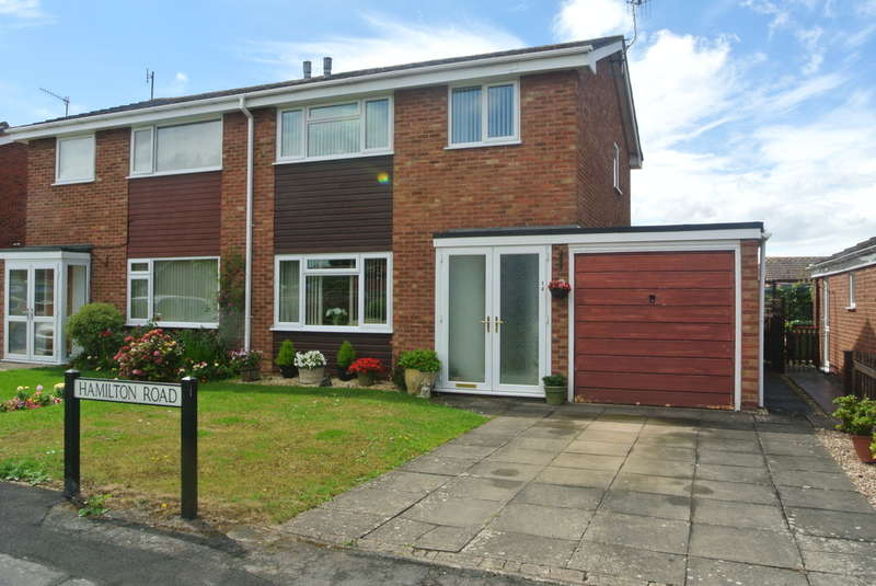 3 Bedrooms Semi Detached House for sale in Hamilton Road, Evesham