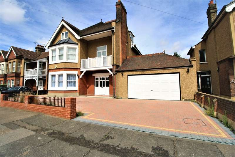 6 Bedrooms Detached House for sale in Palmers Avenue, North Grays
