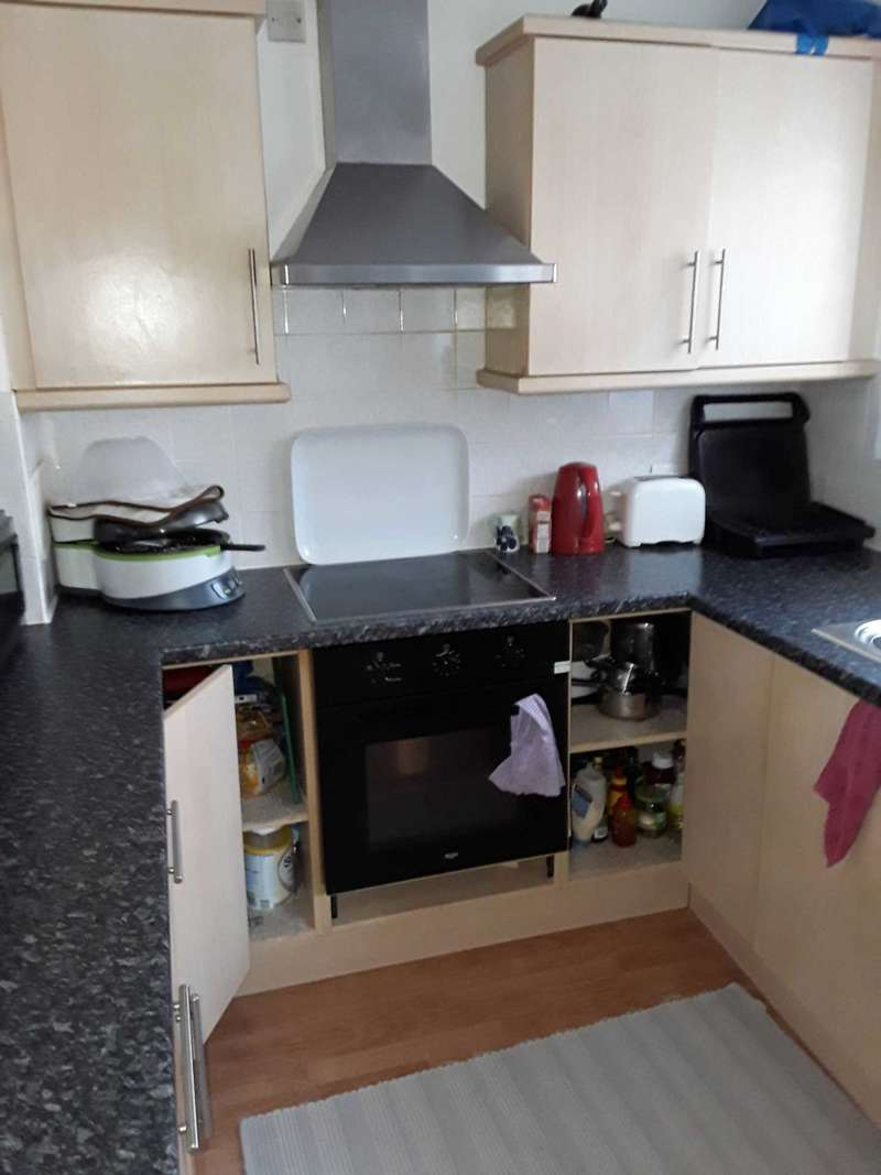 3 Bedrooms House for sale in Fleetwood Court, London, Beckton E6 5XY.