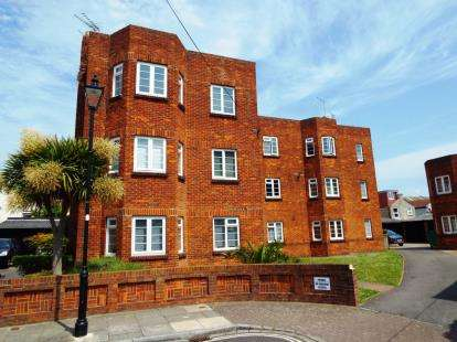 3 Bedrooms Flat for sale in Havelock Road, Southsea, Hampshire