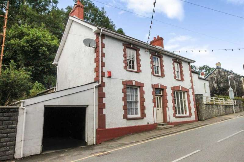 4 Bedrooms Detached House for sale in Dinarth Hall, Bridge Street, Llandysul