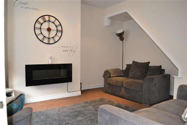 3 Bedrooms Terraced House for sale in Rothay Street, Leigh