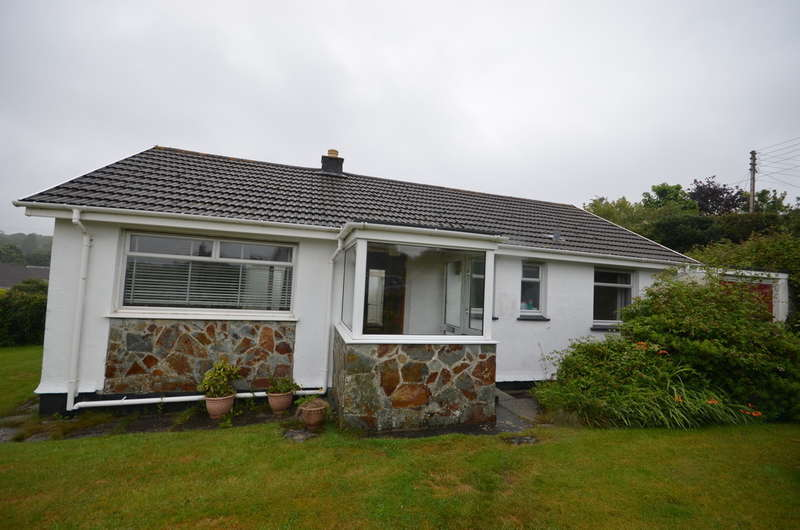 2 Bedrooms Detached Bungalow for sale in Manse Road, Carnon Downs