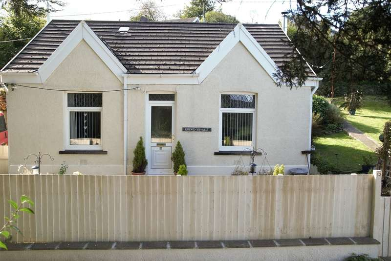 3 Bedrooms Detached Bungalow for sale in Fagwr Road, Craig-cefn-Parc, SWANSEA
