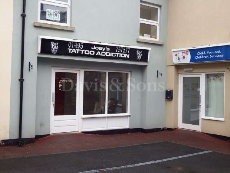 Shop Commercial for rent in George Street, Town Centre, Pontypool. NP4 6LR