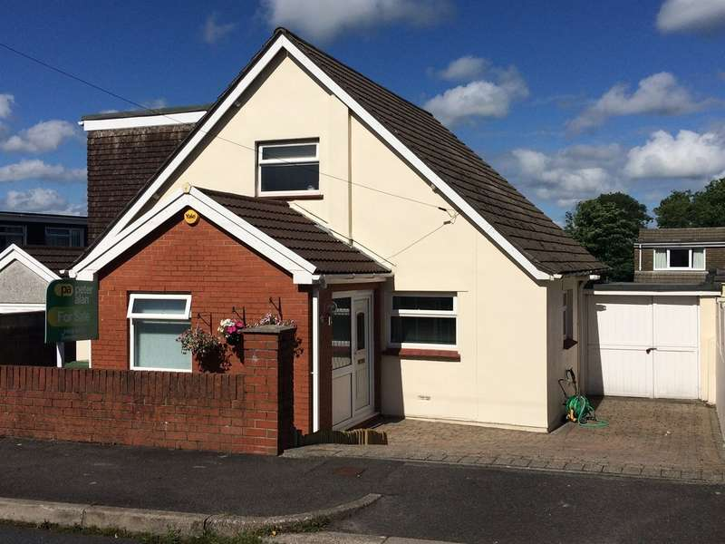 4 Bedrooms Detached House for sale in Wernlys Road, Pen-Y-Fai, Bridgend
