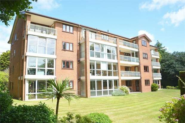 3 Bedrooms Flat for sale in West Cliff Road, West Cliff, Bournemouth