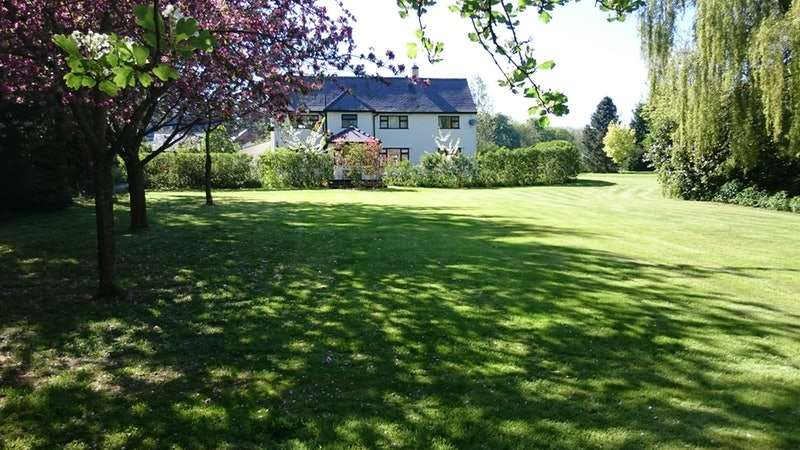 4 Bedrooms Detached House for sale in Mold Road, Denbigh, Denbighshire, LL16