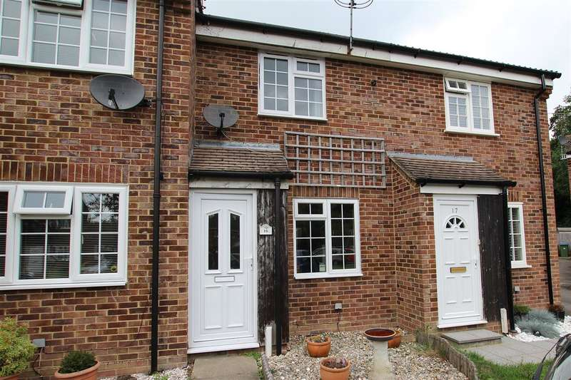 2 Bedrooms Terraced House for sale in Mapledown Close, Southwater, Horsham