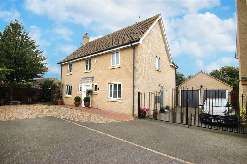 5 Bedrooms Detached House for sale in Harpers Way, Clacton-On-Sea
