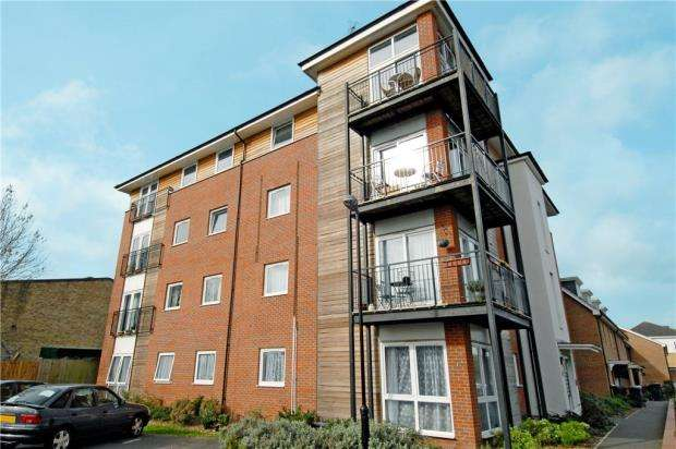 1 Bedroom Apartment Flat for sale in Mead Close, Caversham, Reading